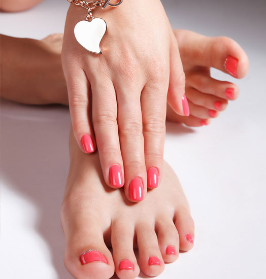 Free Manicure Beauty Hands Makeover: Women's Hands & Feet Treatments